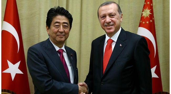 Erdoğan ve Japonya Başbakanı Abe koronavirüsle mücadeleyi görüştü