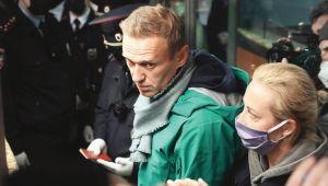 Dönüşü olaylı oldu! Navalni tutuklandı
