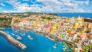 İtalya'da aşılama kampanyası tamamlanan Procida Adası