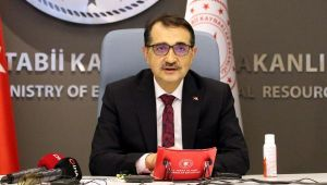 Bakan Dönmez: Türkiye'yi yenilenebilir enerjinin merkezi yapmaya kararlıyız