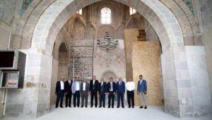 Milletvekili Kahtalı, restorasyon çalışmaları süren camiyi ziyaret etti